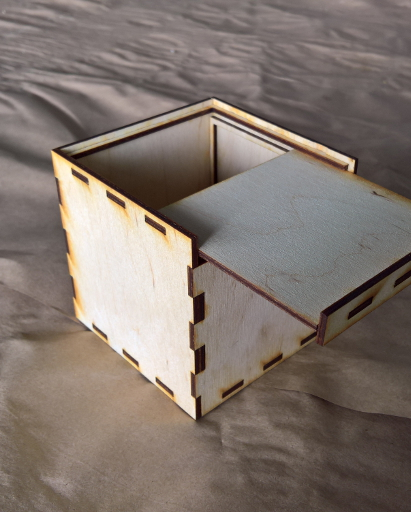 Example of a box with a sliding lid